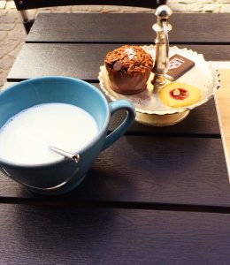 Heiße Schokolade im Old Chocolate House in BRügge