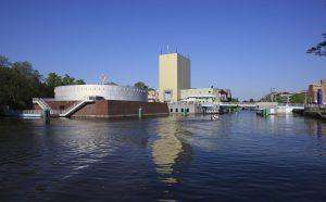 Groninger Museum von der Wasserseite